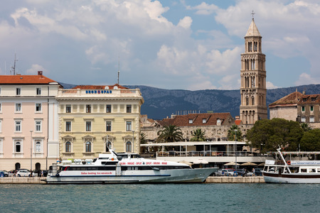 Split, the largest city in Dalmatia, is an intraregional transport hub and a popular tourist destination. Editöryel