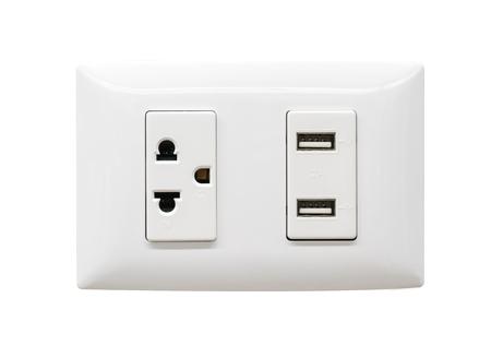 흰색 전기 플러그 및 USB 벽 콘센트에 격리 된 흰색 배경 스톡 콘텐츠