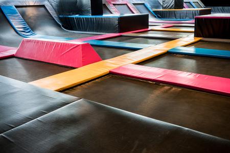 屋内ジャンプの相互接続されたトランポリンは。新しい革命遊び場や楽しいアクティビティすべての年齢のため。