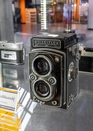 BANGKOK, THAILAND, - Apr 18 2019: The vintage camera (Rolleicord, Rolleiflex) display in  glass showcase at Science Museum. Editorial