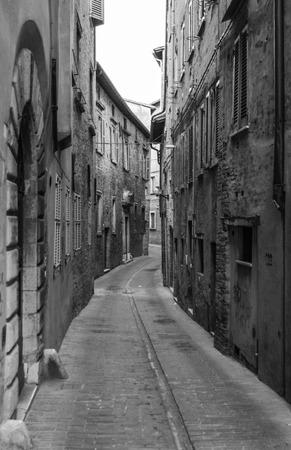 ウルビーノ (イタリア) - 18-19 2015年 7 月 - ウルビーノはマルケ州のイタリア、顕著な独立したルネサンス文化の顕著な歴史的遺産の世界遺産の城壁都