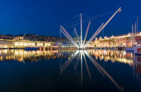 Genua (Italien) - Eine große Stadt in Norditalien, Hauptstadt der Region Ligurien, mit dem größten Hafen und dem malerischen historischen Zentrum Standard-Bild - 68093621