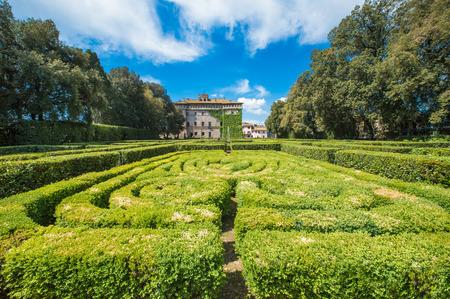 Vignanello, イタリア - 2017 年 4 月 30 日 - Tuscia 領域で小さな中世の町の歴史的な中心部のルスポリ城。この貴族の邸宅は、イタリアで最も美しい庭園の