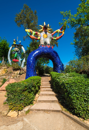 Capalbio, Italy - 22 April 2017 - The Tarot Garden is an awesome sculpture garden based on the esoteric tarot created by Niki de Saint Phalle in the Tuscany region. Reklamní fotografie - 80217492