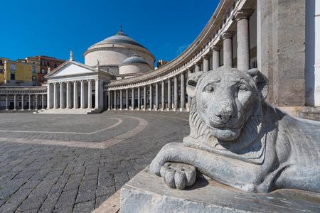 나폴리 (캄파니아, 이탈리아) - 남부 이탈리아에서 가장 큰 도시의 역사적인 중심지.