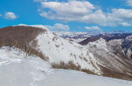 Mount Autore Livata (Subiaco, Italy) - The snow capped peaks mountains in the province of Roma, Lazio region, in Simbruini mounts. Here a beautiful white landscape. Standard-Bild