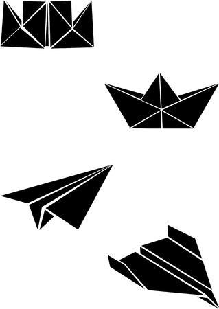 折り紙の紙の船と飛行機
