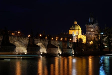 lightsome: Prague Castle and Charles Bridge across the Vltava river at night