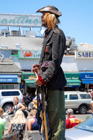 SAN FRANCISCO - CIRCA JUNE 09: Public street live statue artist circa June 09 in San Francisco, USA. Living statue appeared in a scene of 1945 French masterpiece film Children of Paradise. Stock Photo - 18431811