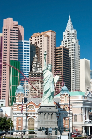 new york strip: Replica of the Statue of Liberty in New York-New York on the Las Vegas Strip