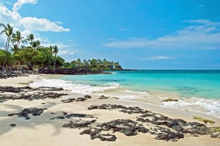 푸른 바다와 하와이 빅 아일랜드에서 하얀 모래 해변 스톡 콘텐츠