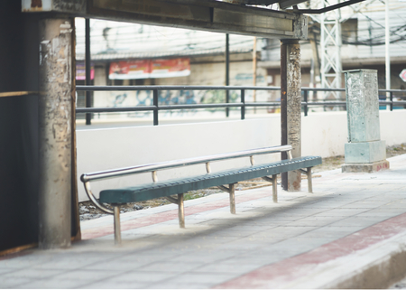old and dirty chairs at bus stop 版權商用圖片