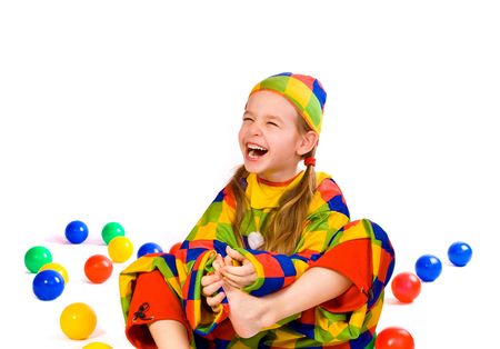 ingannare: Laughing cinque - anno ragazza all'interno di mascherare pazzo