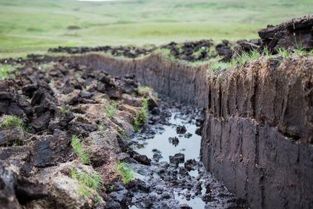 Turf graven op het Isle of Skye, Schotland