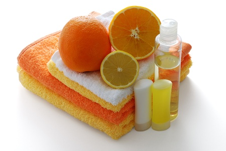 Citrus flavored SPA set including shampoo and moisturizer