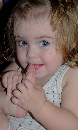 small beautiful girl to champ nail up and about