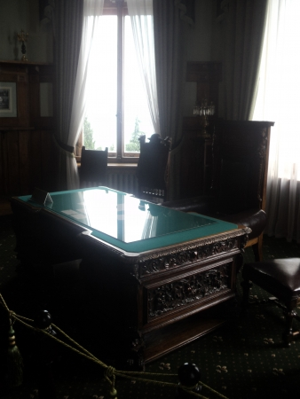 reigning: worker cabinet reigning, Livadiyskiy palace, Yalta