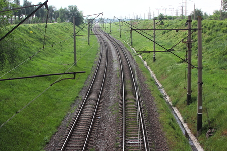 transporte terrestre: Ferrocarril, el transporte terrestre de alta velocidad