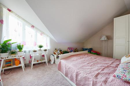 bedroom design: interior design beautiful bedroom in luxury home