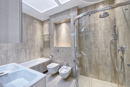 Modern interior of the bathroom in the new house. 免版税图像