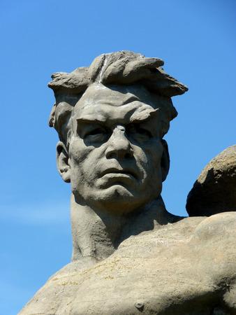 the liberator: Il liberatore monumento testa Soldato sul Mamayev Kurgan a Volgograd