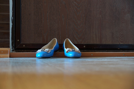 proline: Turquoise womens shoes - court shoes on an apartment threshold