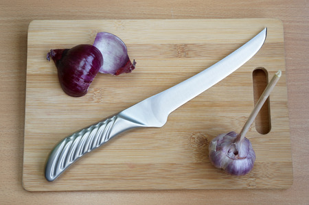 carbonaceous: Specialized finishing knife for processing of products on a chopping board