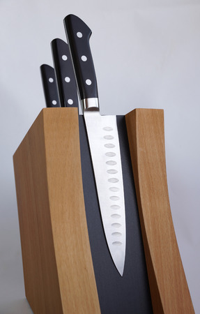 carbonaceous: Set of knives for kitchen on a magnetic support