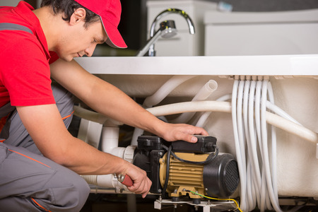 plumbing repair: Professional plumber. Plumbing repair service.