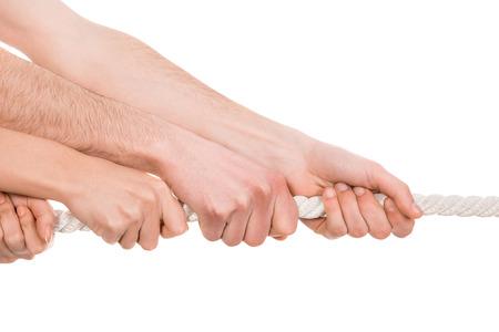 Touwtrekken, twee kanten van de hand te trekken touw om zichzelf.