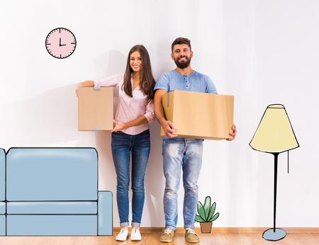 Junge glückliche Paare, Umzug in ein neues Zuhause mit Kartons Lizenzfreie Bilder - 46977813