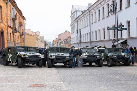 Minsk, Belarus - September 20, 2020: an elite police officer protects the area from protesters. Archivio Fotografico - 156131281