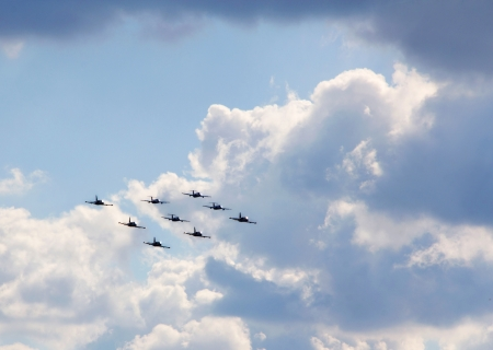 cloud formation: Aircrafts flying in formation