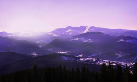 Lever de soleil en hiver montagnes paysage photo