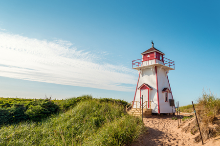 Covehead Lighthouse in Stanhope (Prince Edward Island, Canada) 스톡 콘텐츠
