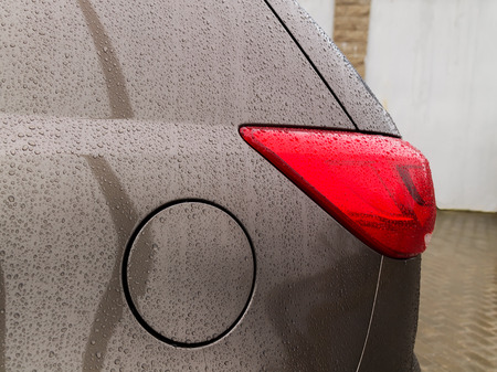 distort: Droplets on the car
