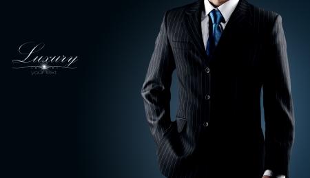 corbata negra: hombre de negocios en un traje de lujo Foto de archivo