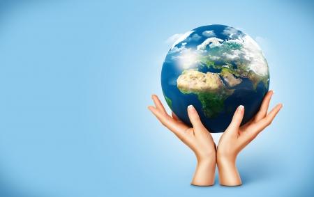 paz mundial: Globo en las mujeres