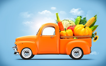 Pickup truck loaded by vegetables.  版權商用圖片