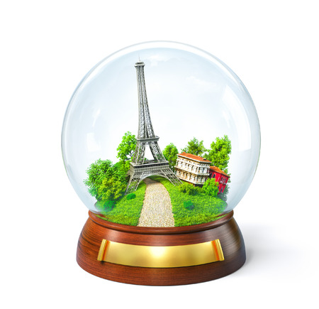 Eiffel toren in de glazen bol. Ongebruikelijke reizen illustratie. Parijs Stockfoto