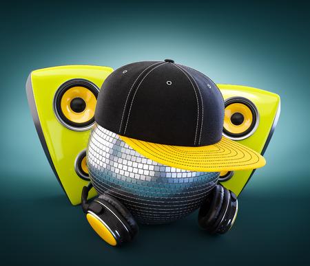 electronica musica: Bola de espejos con gorra y auriculares. DJ. Foto de archivo