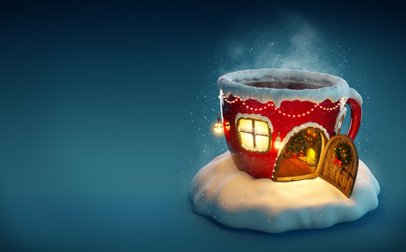 Verbazend fairy huis versierd met Kerstmis in de vorm van kopje thee met geopende deur en open haard binnen. Ongebruikelijke Kerst illustratie.