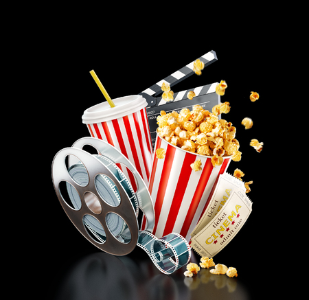 Popcorn, bobina cinematografica, tazza usa e getta, ciak e biglietti a sfondo nero. Illustrazione del teatro 3D del cinema di concetto.