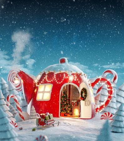 Erstaunliches Feenhaus, das zu Weihnachten in Form einer Teekanne mit weihnachtlichem Interieur im magischen Wald mit Fichten und Zuckerstangen dekoriert ist. Ungewöhnliche Weihnachtspostkarte der Illustration 3d.