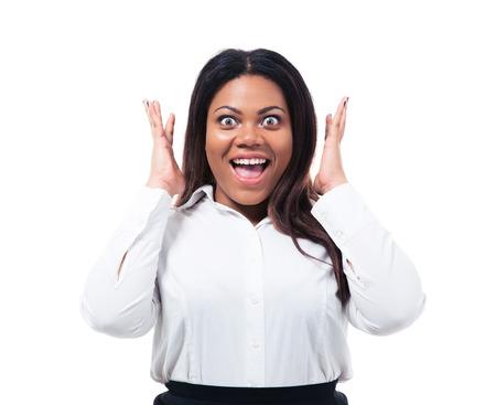 Portrét překvapen africké podnikatelka izolovaných na bílém pozadí. Díval se na kameru Reklamní fotografie