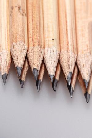 grafite: Grafite lápis de madeira para esboçar tiro do close up Imagens