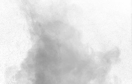 Vapor de agua gris abstracto en un fondo blanco. Textura. Elementos de diseño. Arte abstracto. Vapor el humidificador. Macro disparo. Foto de archivo - 59864265