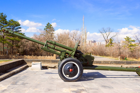 artillery shell: Soviet Union old cannon from World War II
