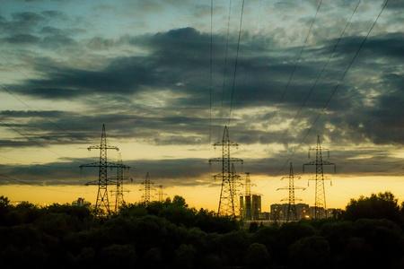 провода: сумерки Фото со стока