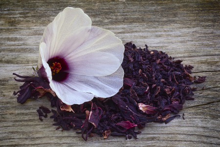 sepals: Hibiscus tea (Hibiscus sabdariffa)and sepals dried for infusions Stock Photo